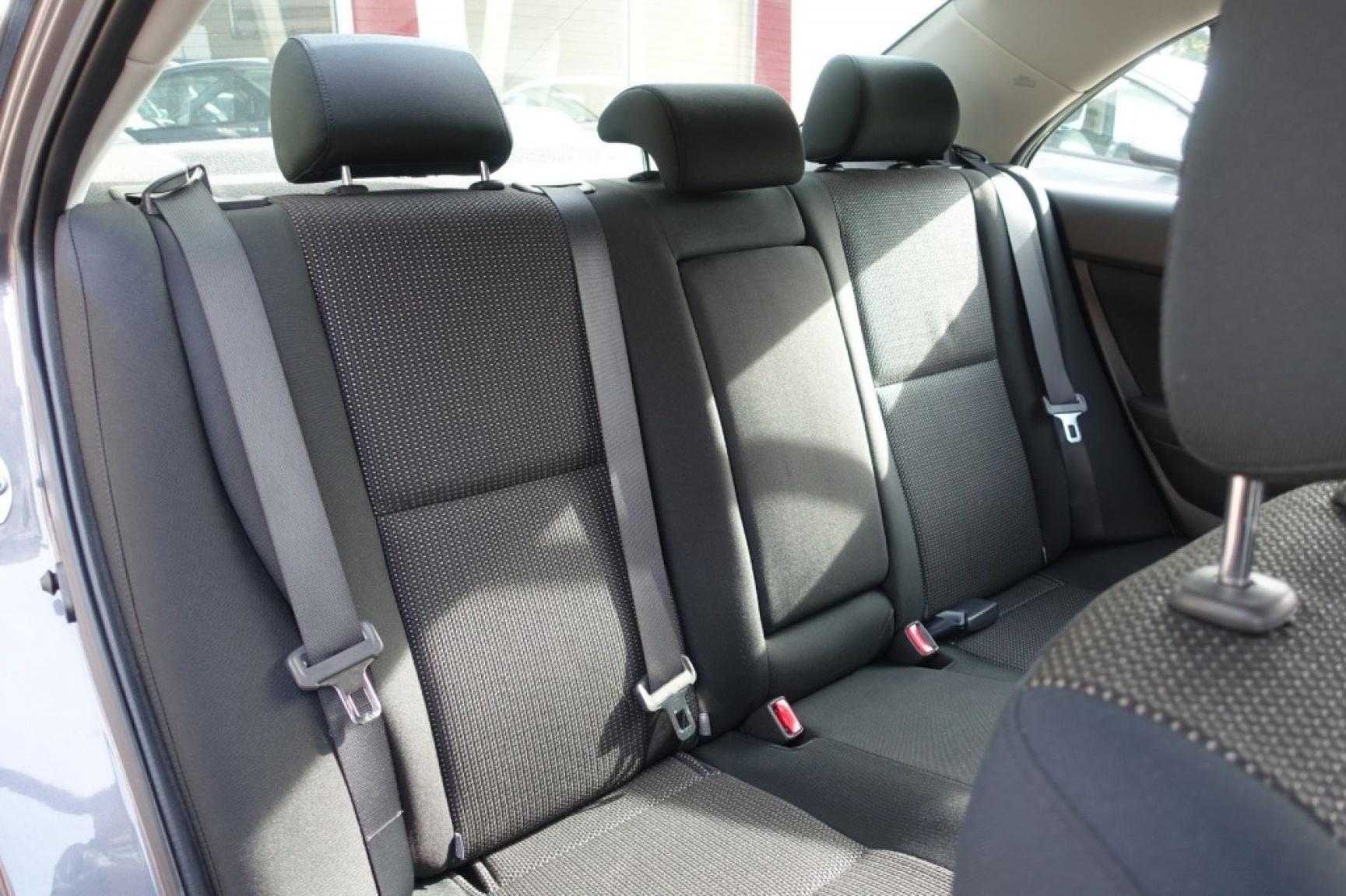 Toyota-Avensis-20