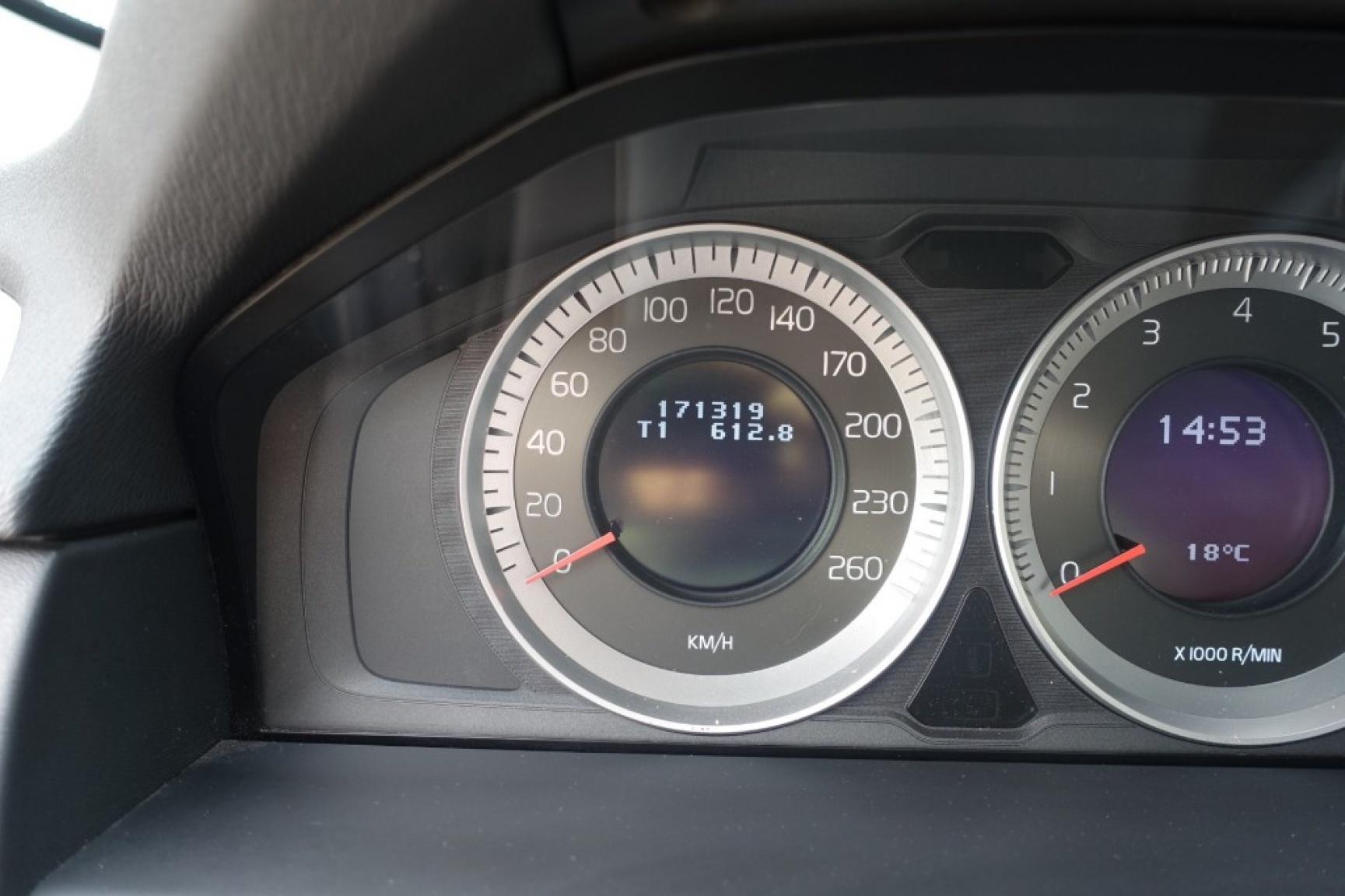 Volvo-V70-37